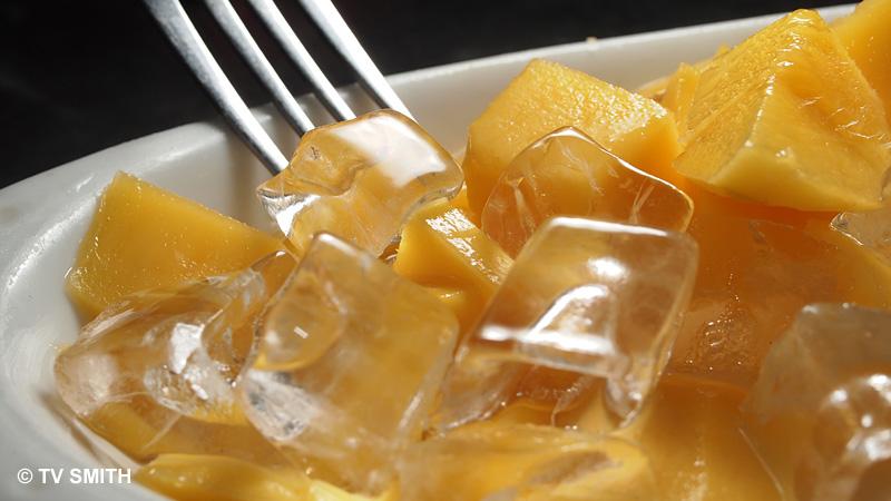 Mango On Ice - Olympus E-PL2, ISO 200, f9, 1/60 sec with FL-36R Flash
