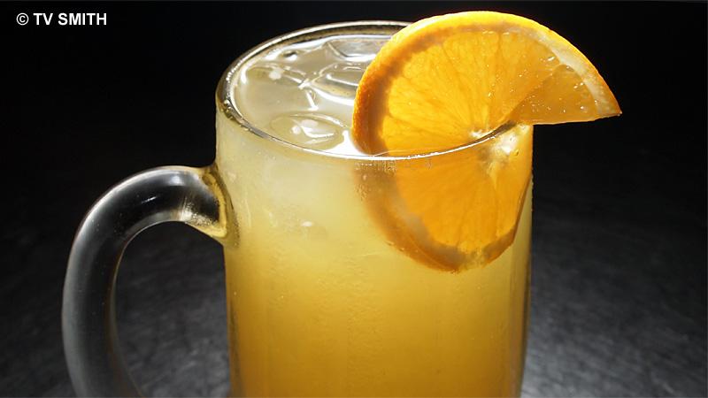 Orange Juice - Olympus E-PL2, ISO 200, f9, 1/60 sec with FL-36R Flash