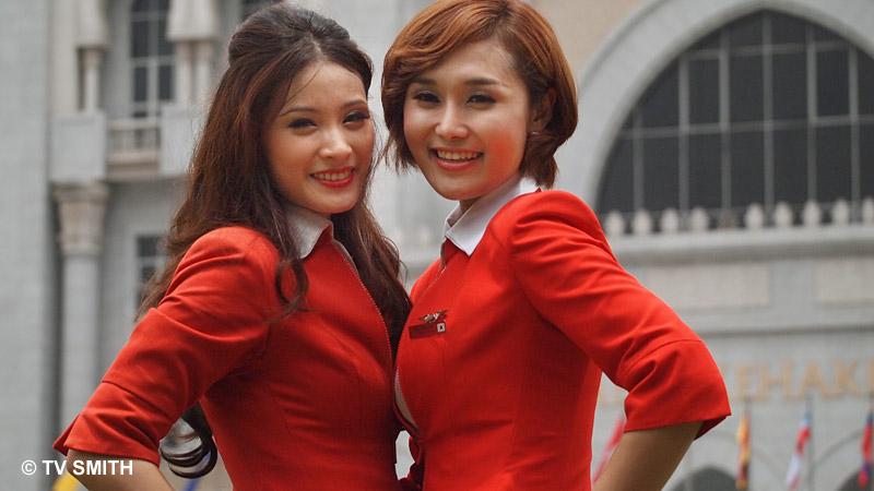 AirAsia Flight Stewardesses, Olympus E-PL2, ISO 640, f5, 1/3200 sec