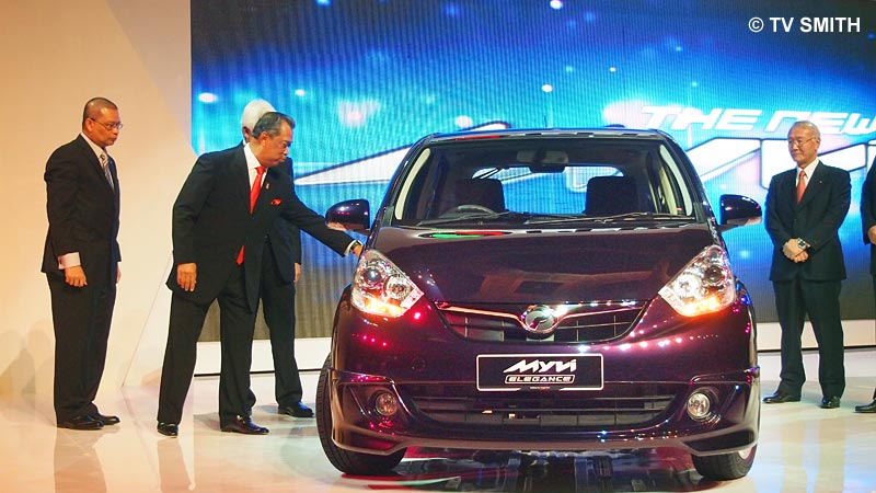 The DPM checking out the New Myvi at the launch