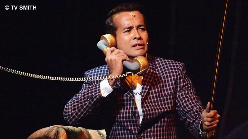 Tony Eusoff as Agent Farouk
