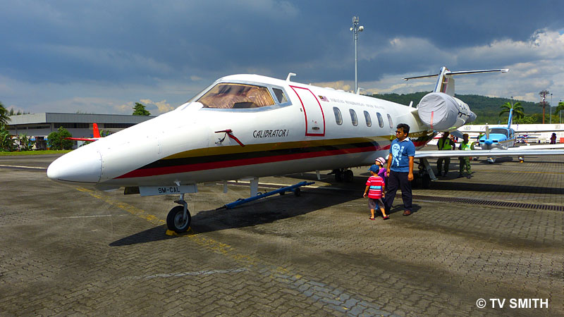 More static display on the tarmac with the wide attachment