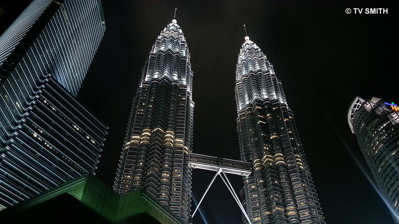 Petronas Twin Towers photographed  with Samsung Galaxy S3
