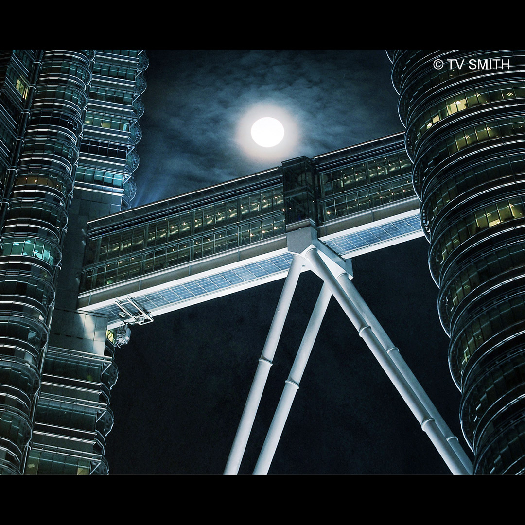 Moonwalk - Skybridge of the Petronas Twin Towers at night